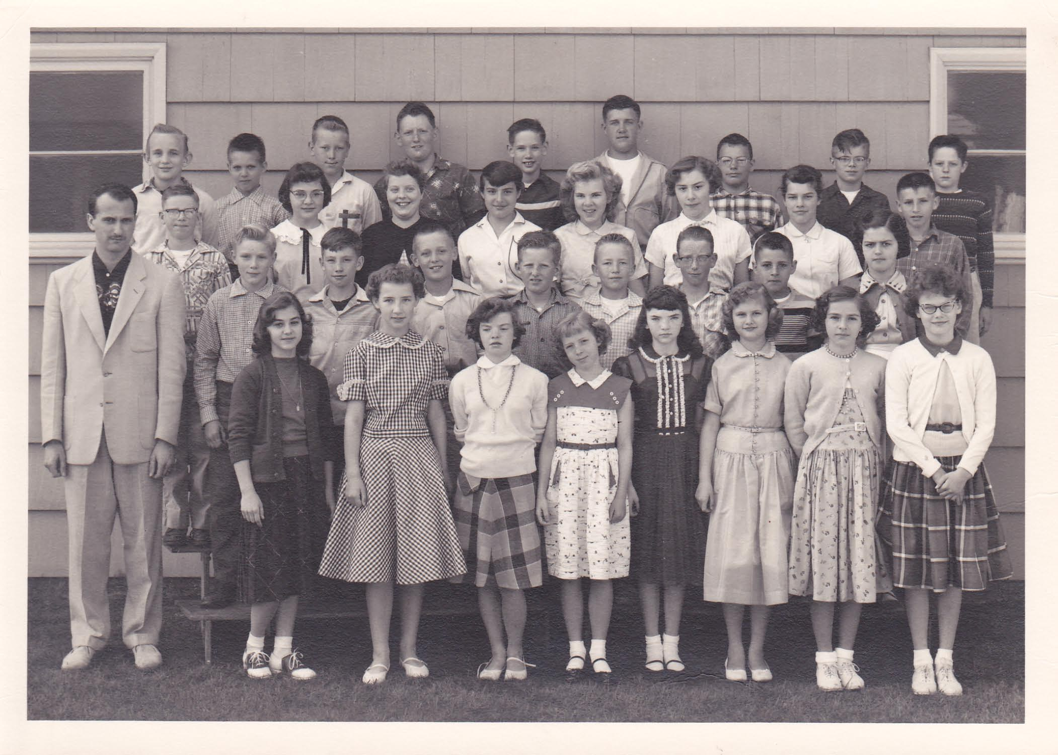 Vintage Yearbook photo - class of 1962 as 5th Grade Students